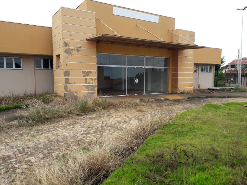 Prédio-construído-para-UBS-no-São-Carlos-segue-abandonado-(3)