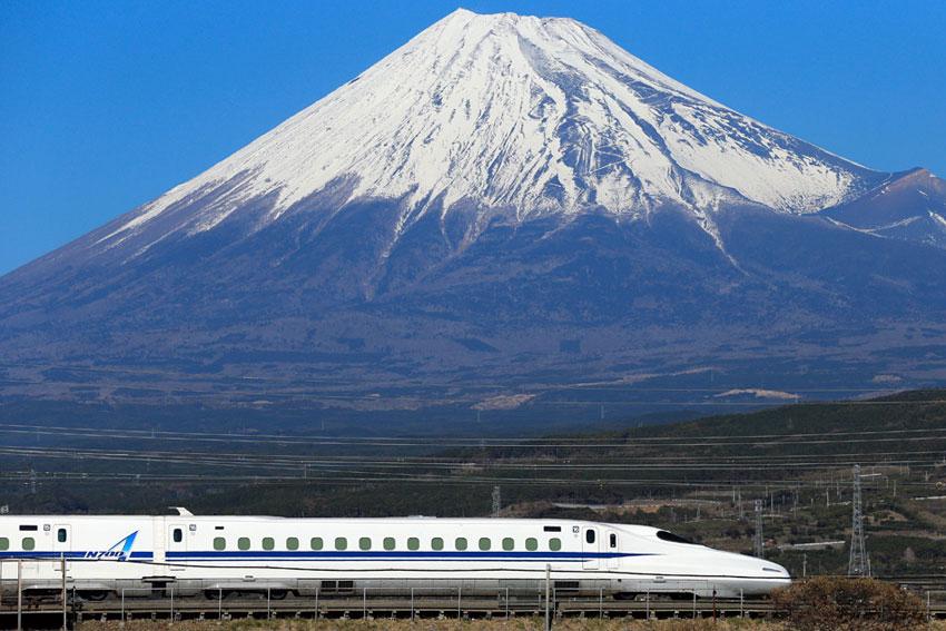 Em-1964-tivemos-o-trem-bala-no-Japão