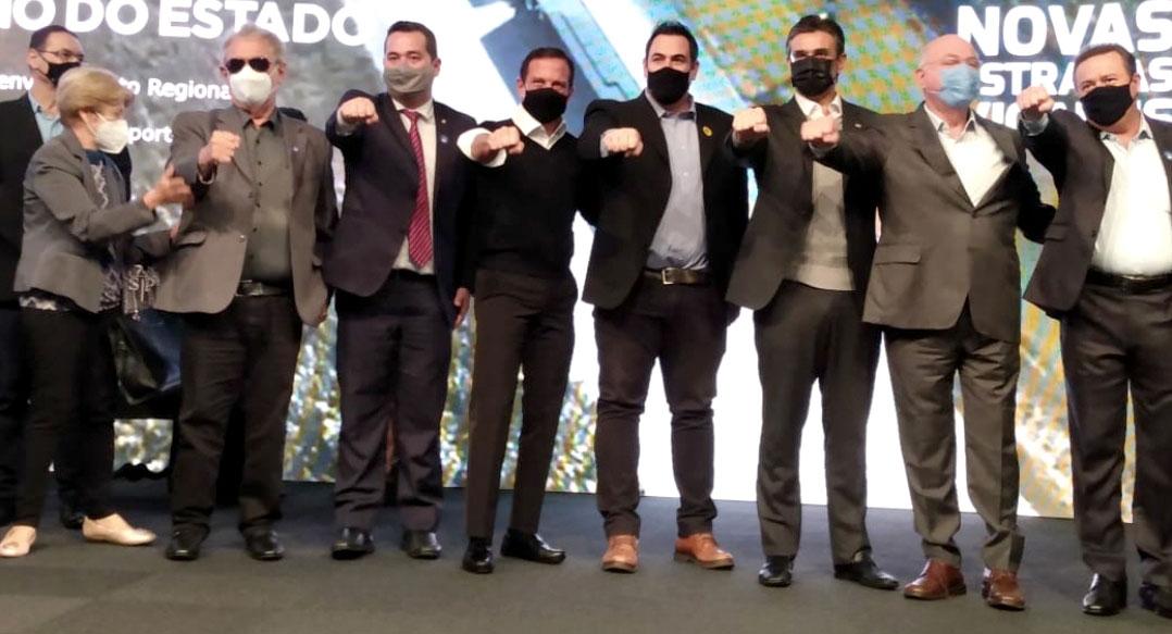 Prefeito-Juninho-Gaspar-assina-em-São-Paulo-convênio-de-R$-3,7-milhões-02